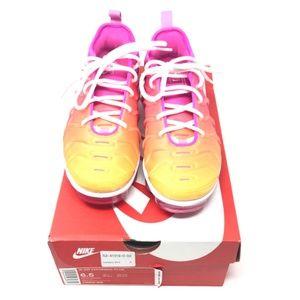 Nike Air Vapormax Plus  Fuchsia Pink 6.5